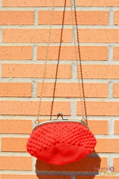 Bolso de crochet  con boquilla punto pop corn